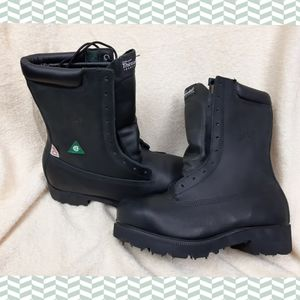NWOT Safety  boots certified THINSULATED
